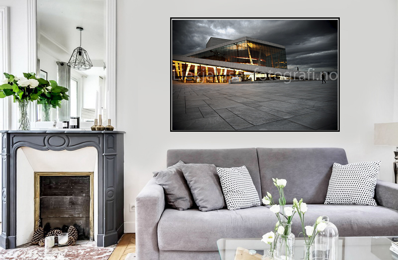 Oslo operahuset sorthvit og fargerlys